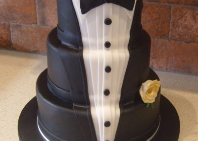 "Tuxedo with Dress Shirt, Satin Lapels and Dicky Bow and Gold Rose - 3 tier (6"", 8"", 10"") (approx. 75 servings) - £180.00"