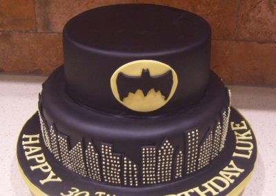 "Batman - 6"" (approx 15 servings) - £45.00, 8"" (approx. 25 servings) - £55.00,  10"" - (approx. 35 servings) - £65.00"