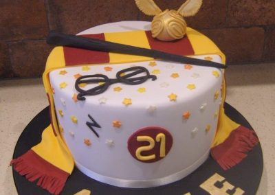 """Harry Potter -  6"""" (approx 15 servings) - £55.00, 8"""" (approx. 25 servings) - £65.00,  10"""" - (approx. 35 servings) - £75.00"""